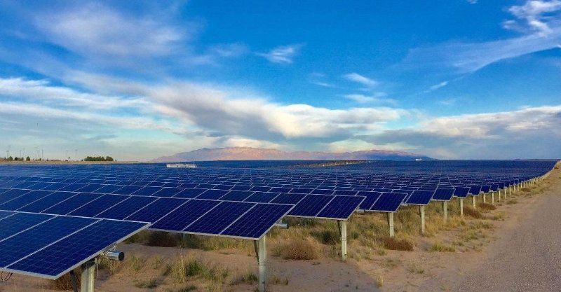 Large solar array in the Southwest (Credit: Array Technologies Inc)