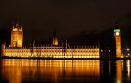 Earth Hour: Lights out for Houses of Parliament...