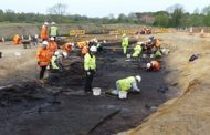 Archaeologists stumble on Neolithic ritual site in Suffolk...