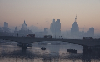 Government promises £25m clean bus boost, but air quality legal f...