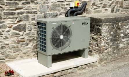 Heat pumps: have a cosy home without warming the planet...