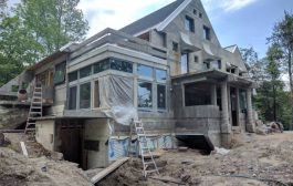 In Warren, renowned Vermont architect designs concrete house...