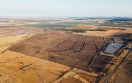 Australian musicians band together to invest in solar farms...